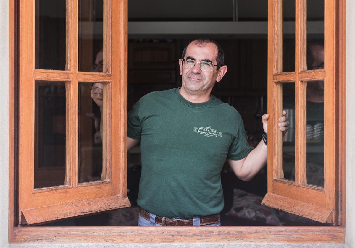 Andrea Corrias Tecnico Infissi Dolianova Cgliari legno reportage aziendale valerio loi fotografo