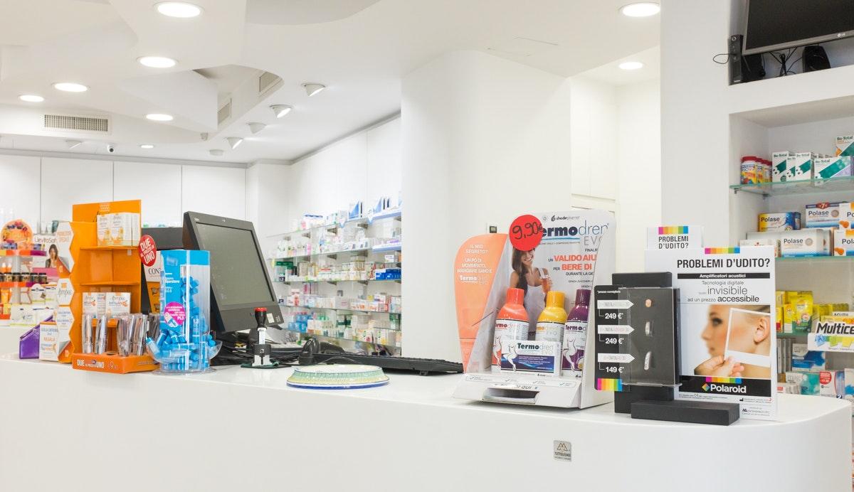 Farmacia Mameli Roux dolianova interior interni reportage aziendale valerio loi fotografo cagliari