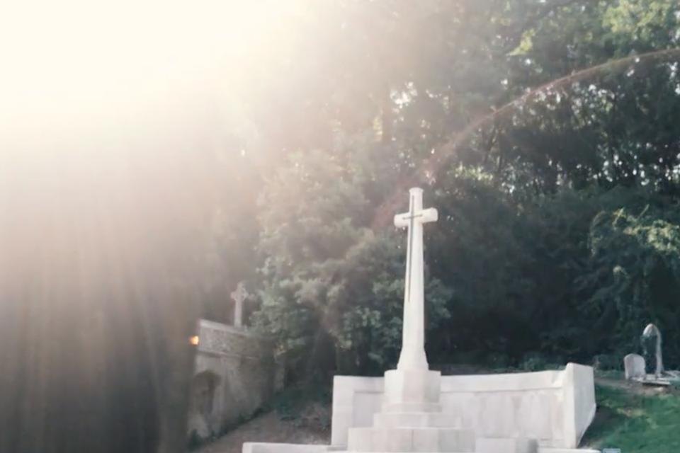 Asli Umut - Highgate Cemetery