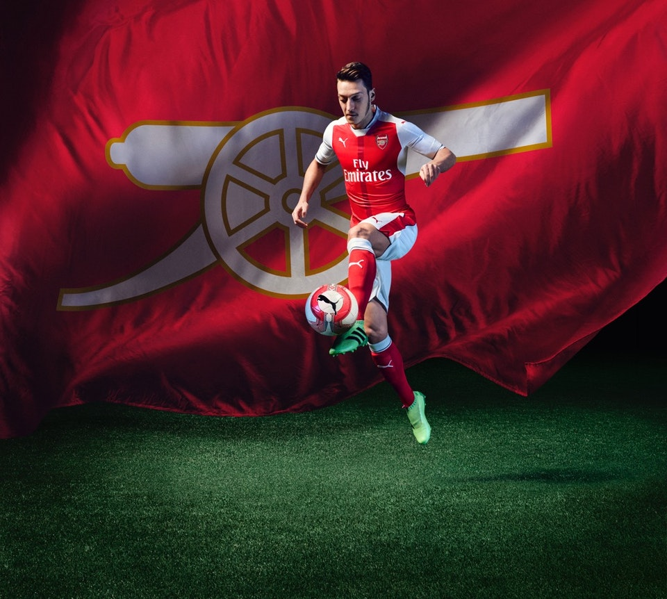 16AW_TS_AFC_xHome-Action-Ozil