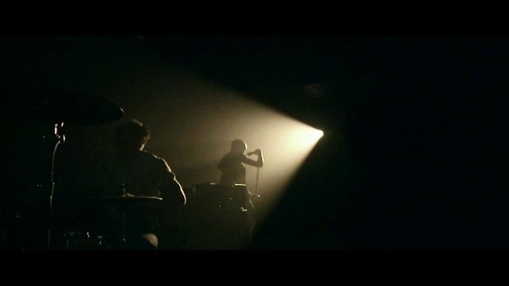 SKUNK ANANSIE - 'TEAR IT UP'