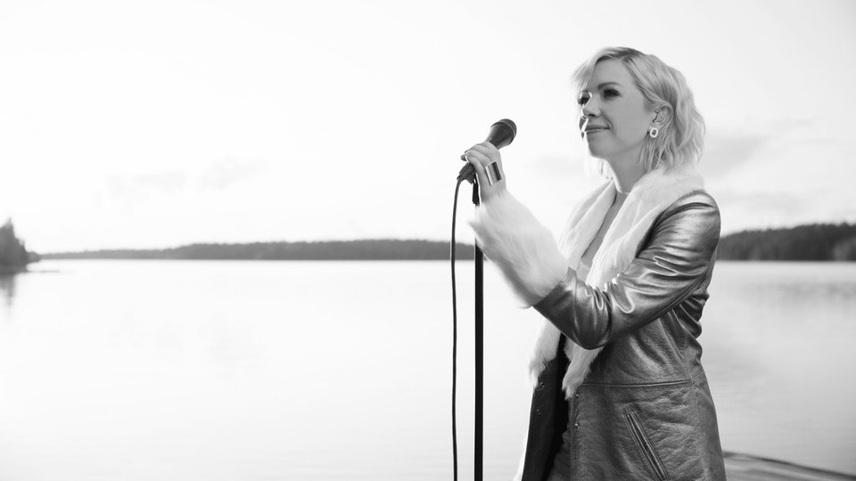Carly Rae Jepsen 'The Sound' Live in Lapland