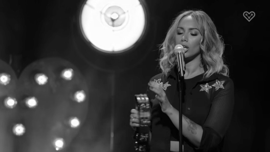 Leona Lewis 'Fire' Live