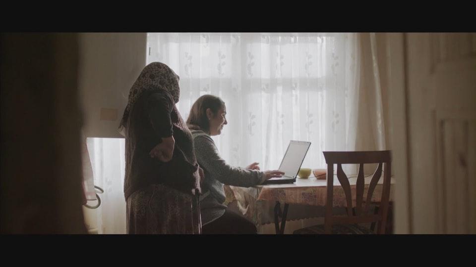 """Türk Telekom - """"Life Is Easier with Internet"""" Türk Telekom - """"İnternetle Hayat Kolay"""""""