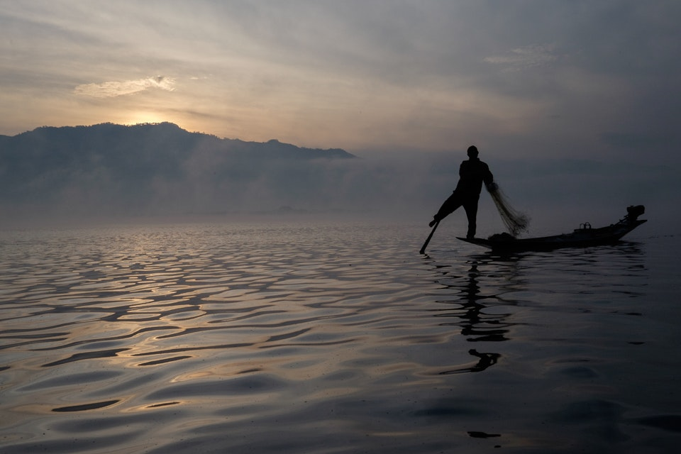 Inle lake at dawn