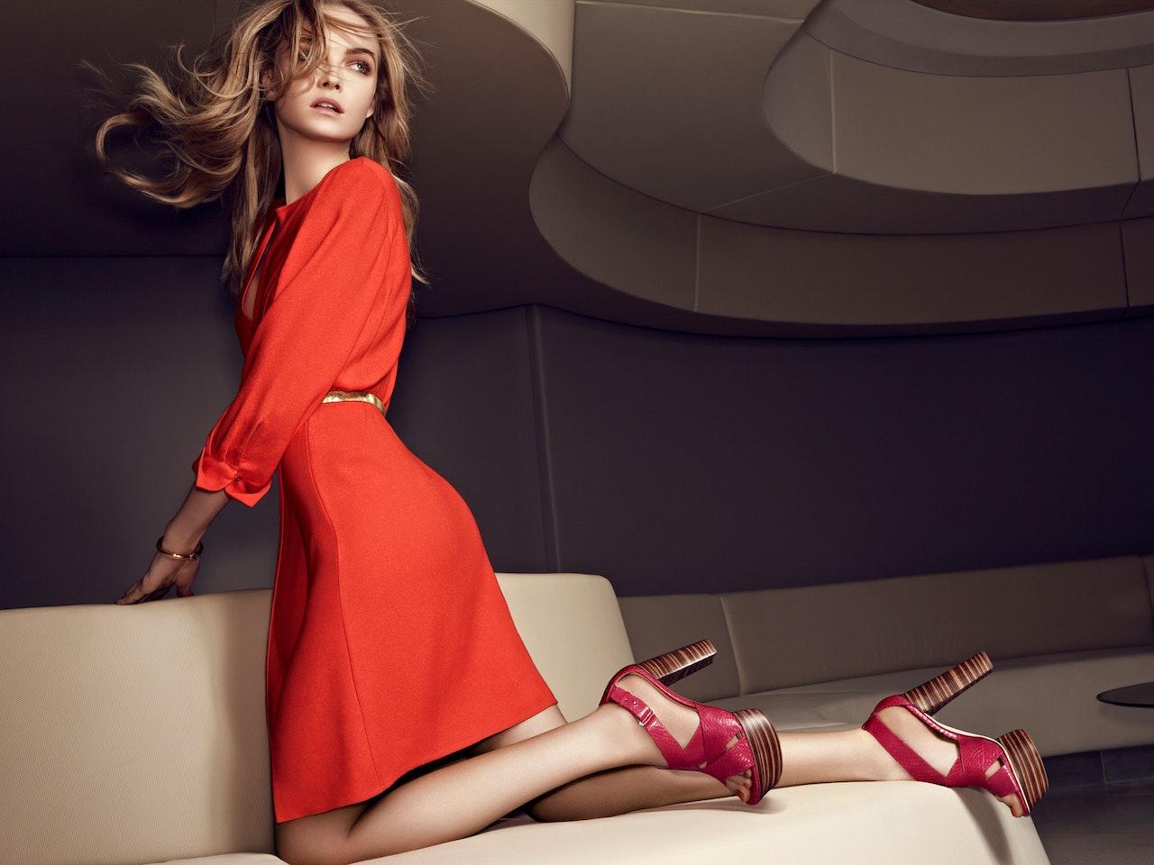 Fashion - VIA SPIGA  /  Photographer: Thomas Nützl  /  Agency: US Vogue