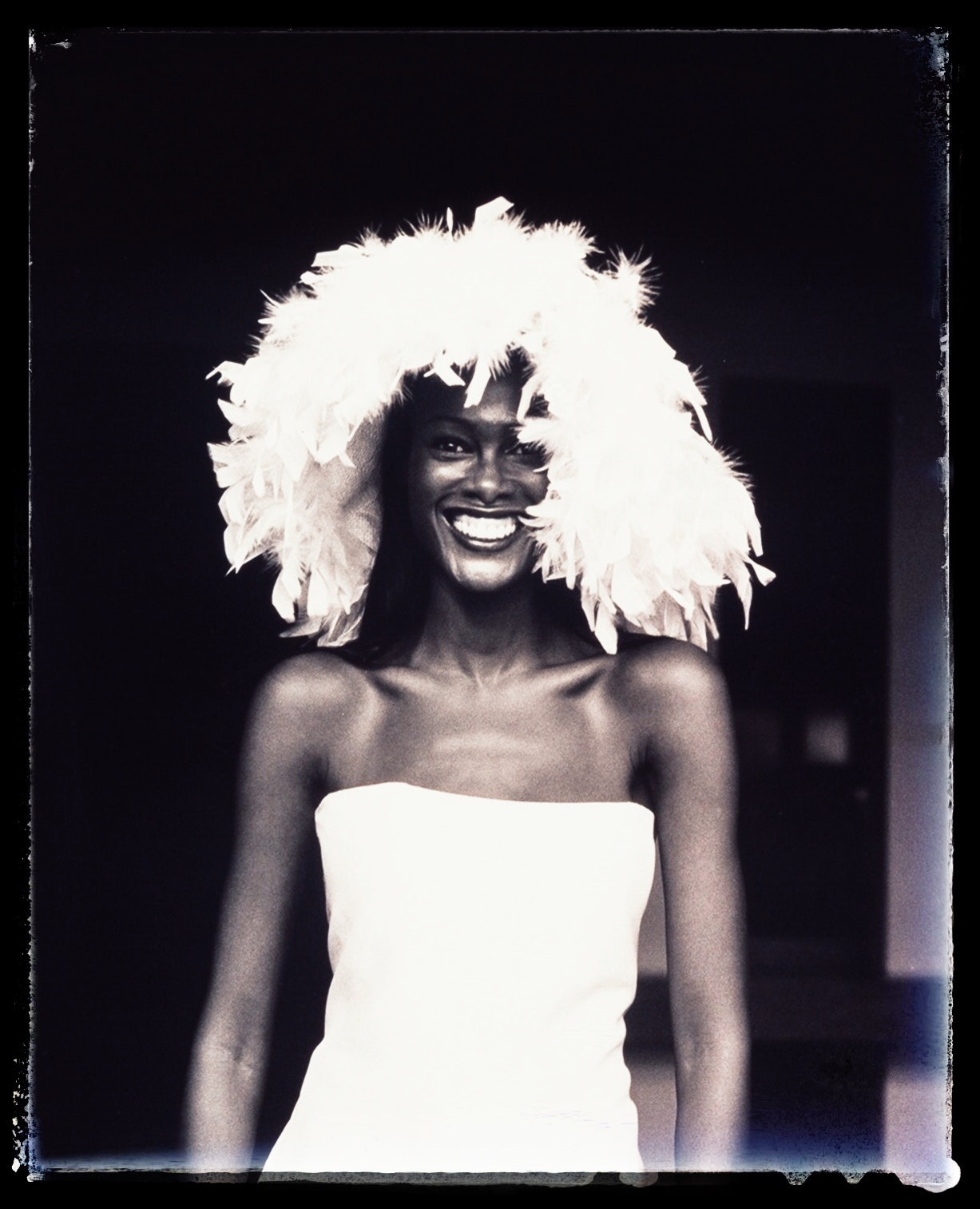 model noue in sanni's wedding gown fashion, mulholland highway 1999