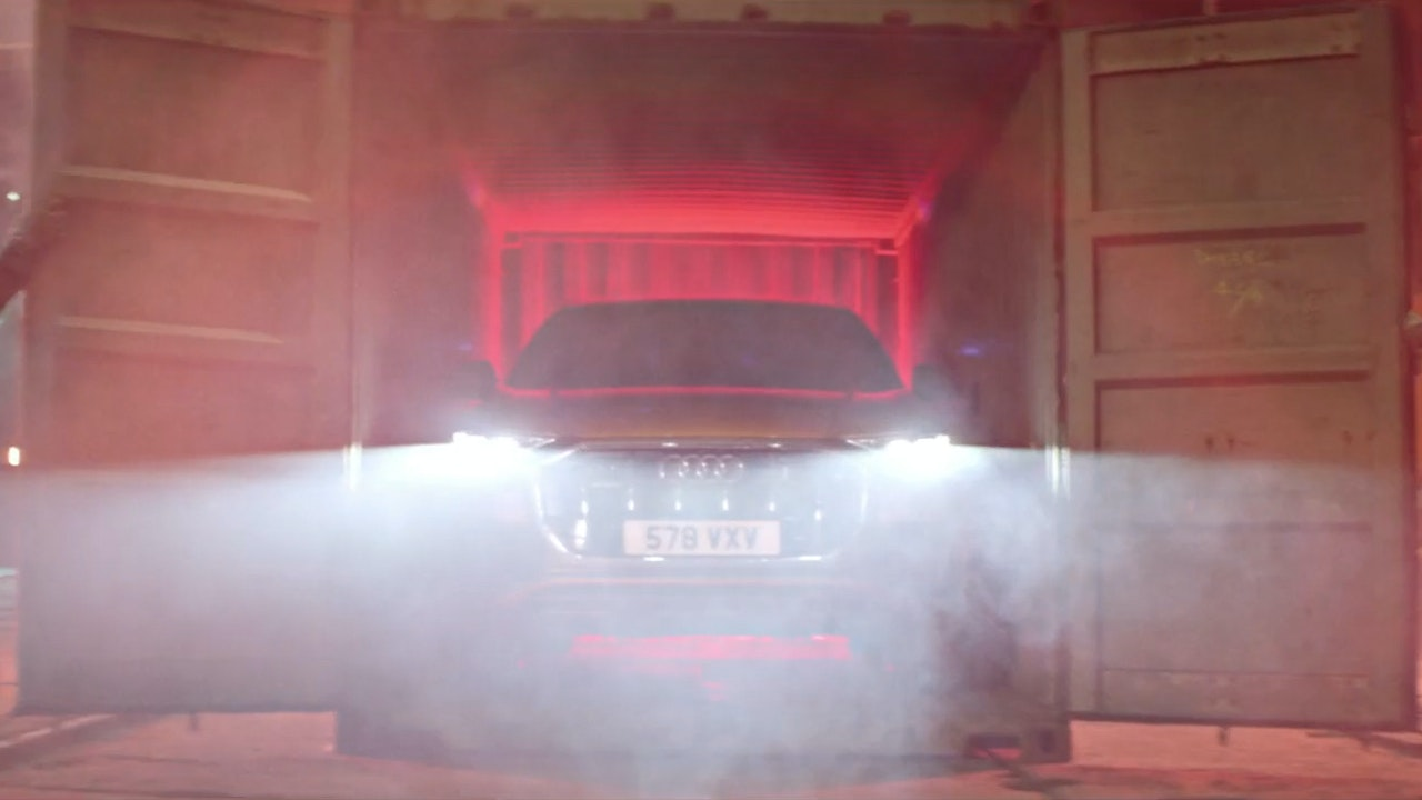 "Audi Q8 ""Big Entrance"""