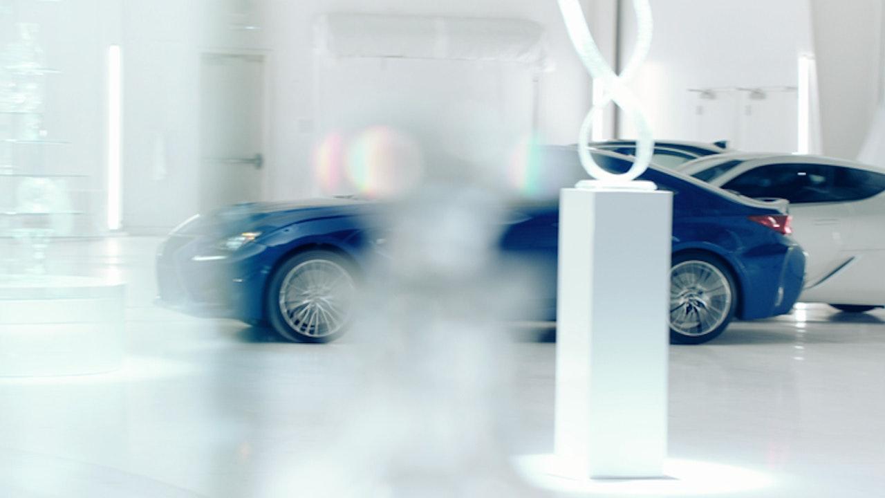 Lexus Panther 4