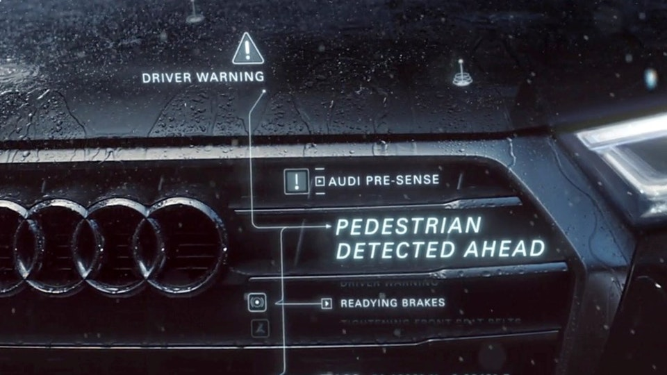 Audi Q5 - 'React'
