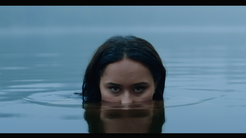 Azusena | In The Water