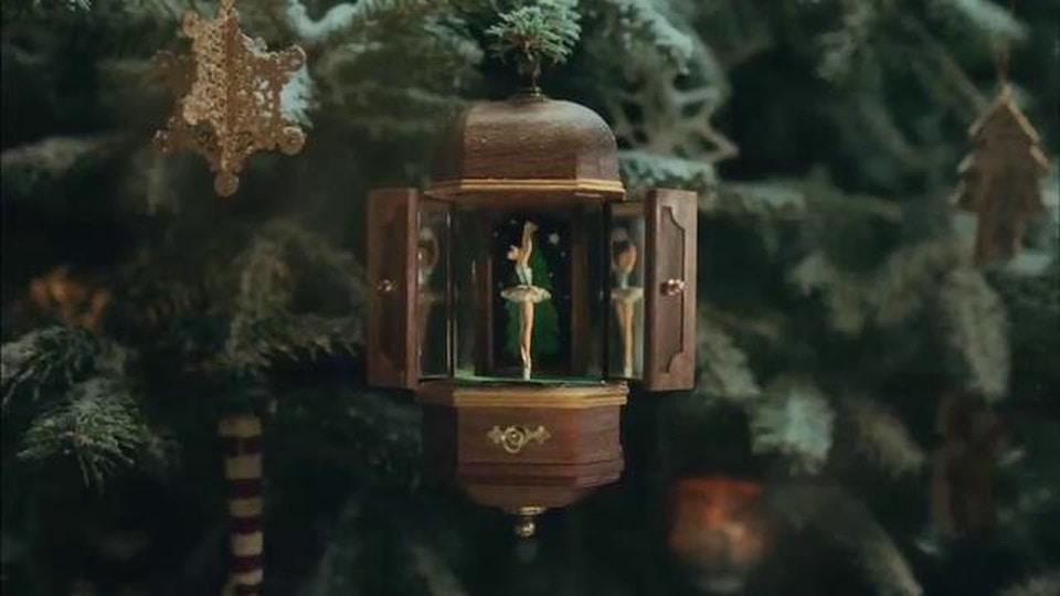 Sky Christmas - Mark Paul - Sky