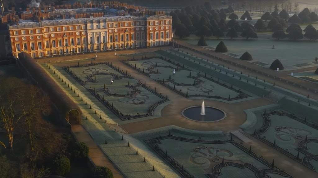 HAMPTON COURT PALACE / 500th Year of the Gardens