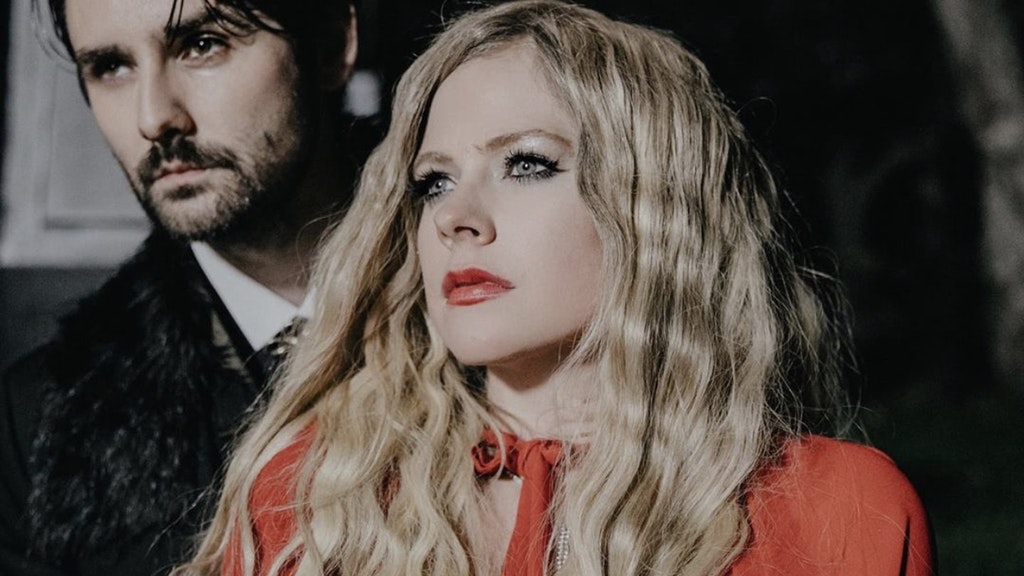 "Avril Lavigne ""I Fell In Love With The Devil"""