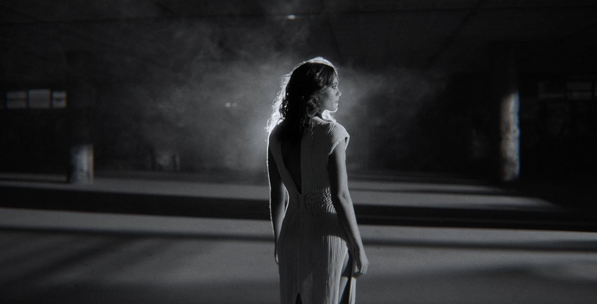 Moullinex - Running in the dark