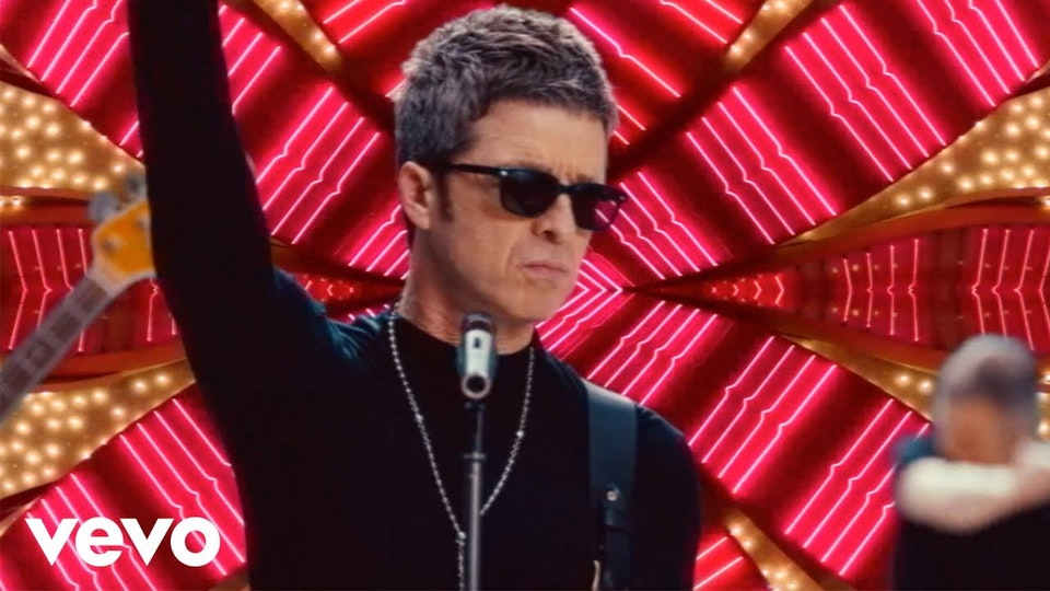 Noel Gallagher's High Flying Birds. This Is The Place. DAN CADAN. - Noel Gallagher's High Flying Birds - This Is The Place (Official Video)