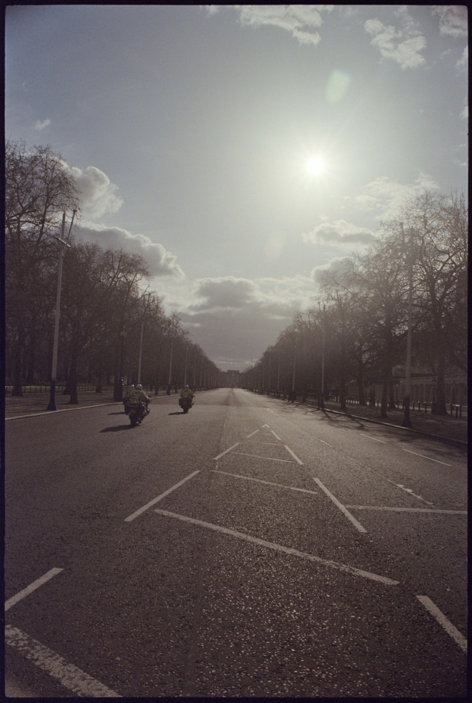 Cinematographer: Adrien Brauge: 'London W1, 4pm' - The Mall