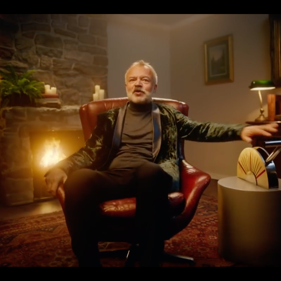 BBC One   #XmasLife - Screenshot 2019-12-01 20.35.58