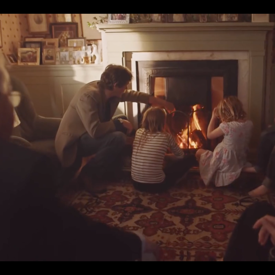 Air Wick| 'Give the Gift of Home' air wick fire scene still