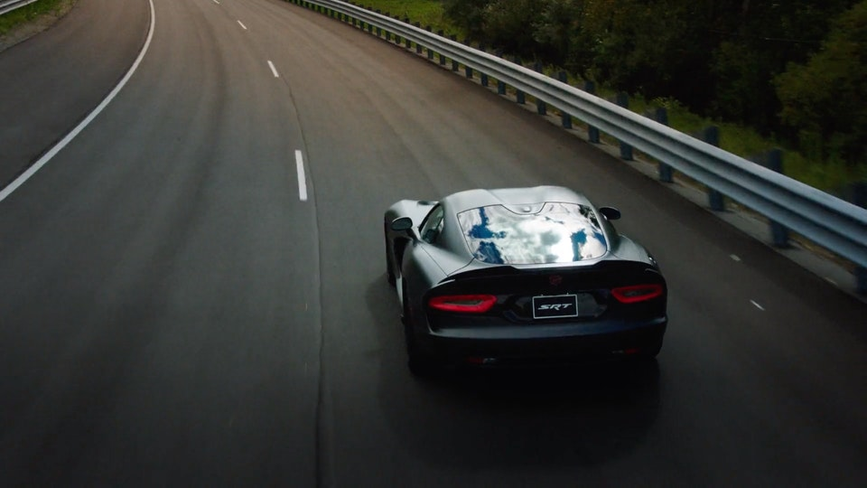 Dodge Viper | Featurette Screenshot 2019-09-06 23.58.46