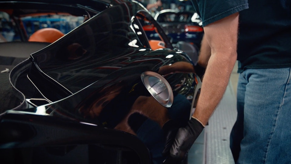 Dodge Viper | Featurette Screenshot 2019-09-06 23.59.01