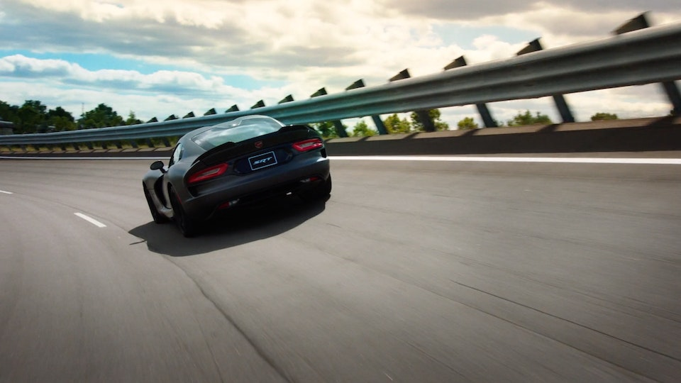 Dodge Viper | Featurette Screenshot 2019-09-06 23.59.30