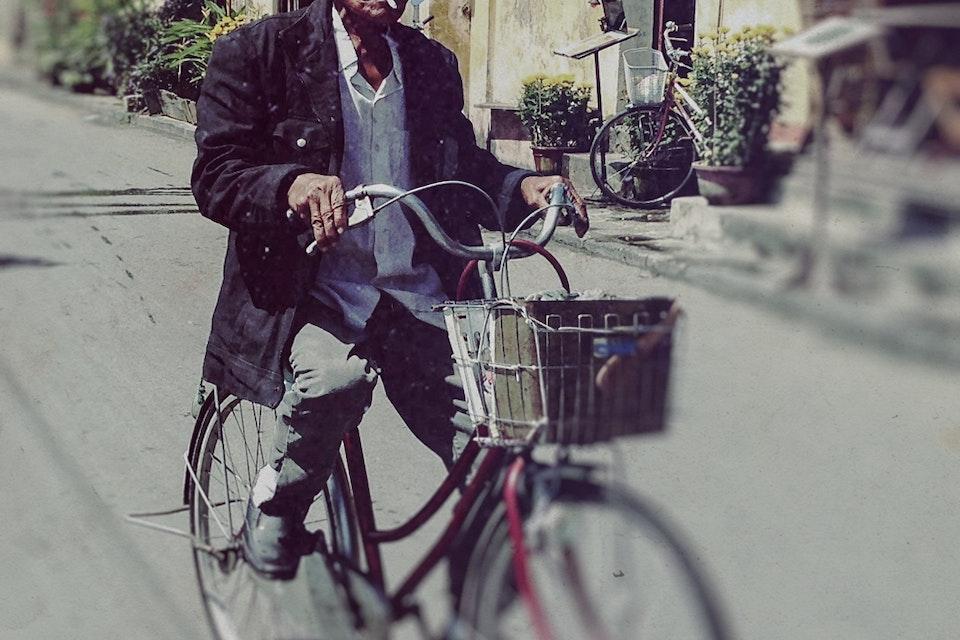Vietnam by Dirtbike - 2013 oldman