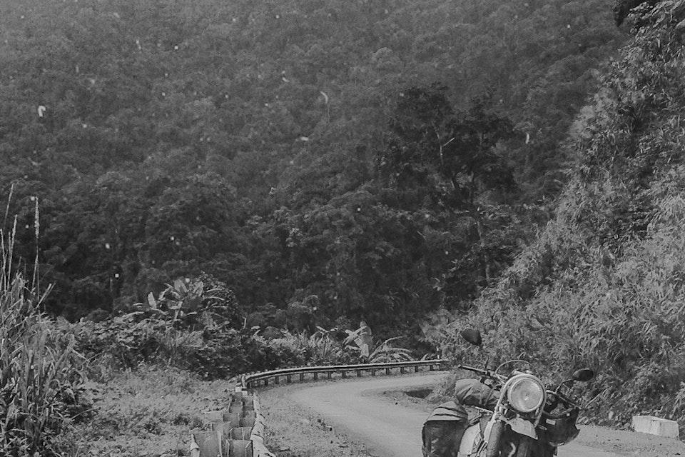 Vietnam by Dirtbike - 2013 bikeroad_born_notype