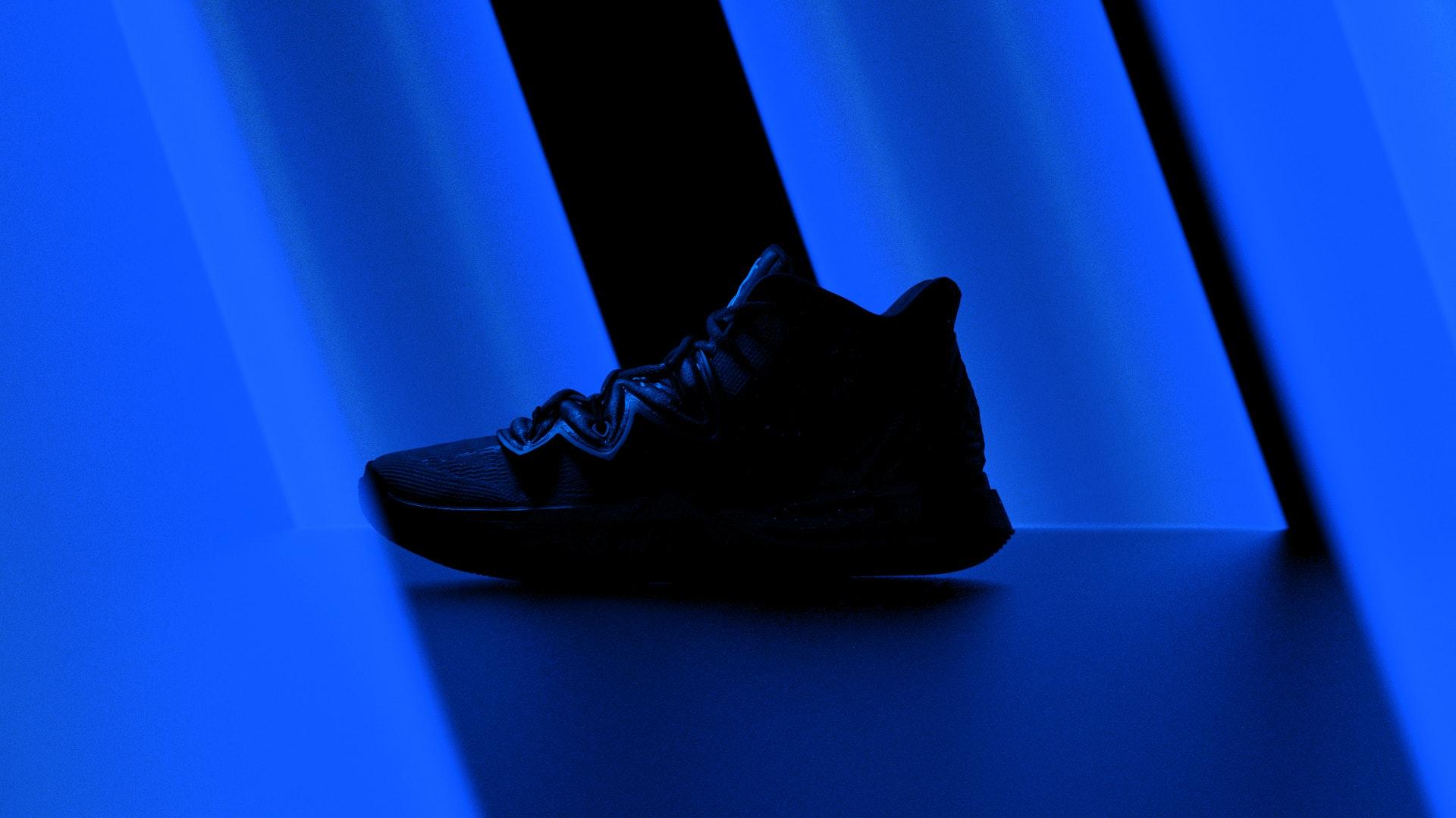 Black Pixels - Nike_style_blue_25_post