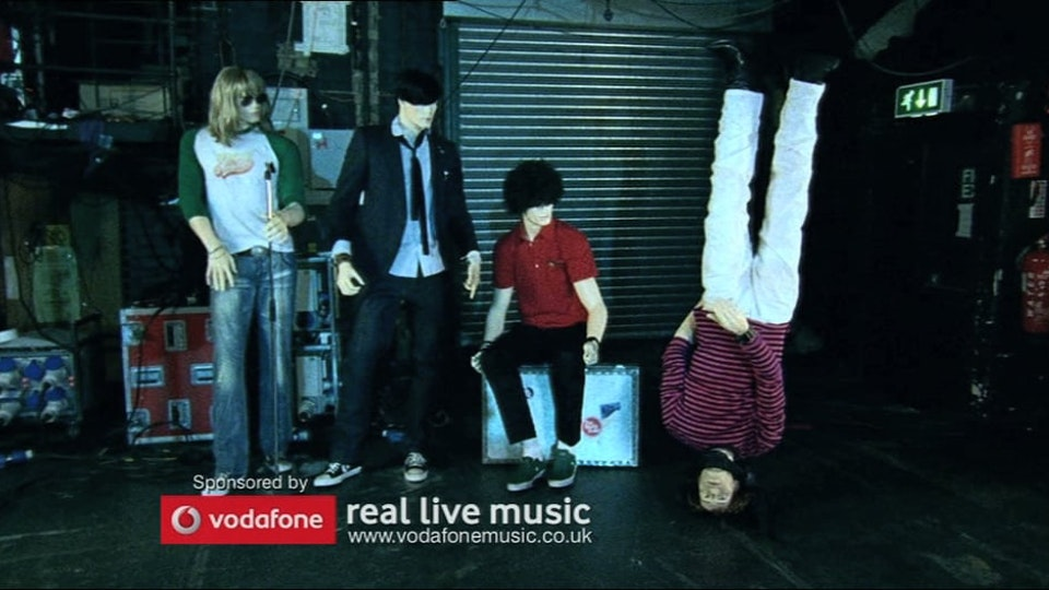 "VODAFONE: ""THE STATIC DOLLS"""