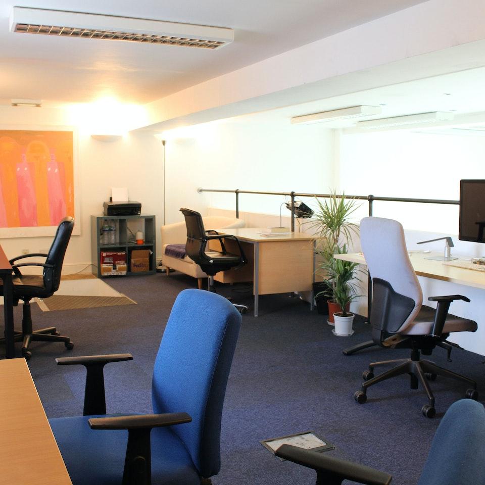 Dye House 451 desk4