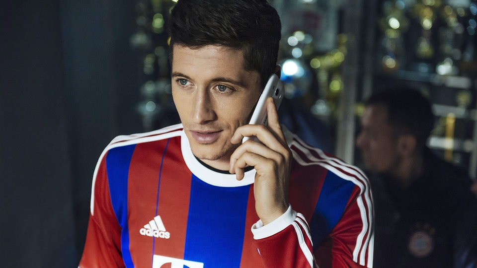 T-MOBILE ROBERT LEWANDOWSKI