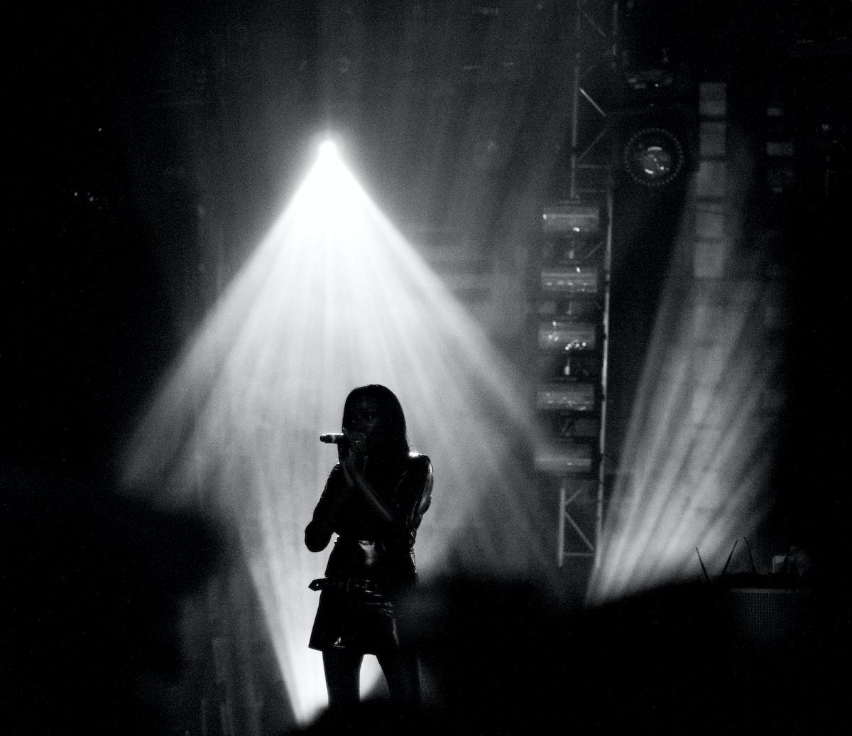 Back up singer in light