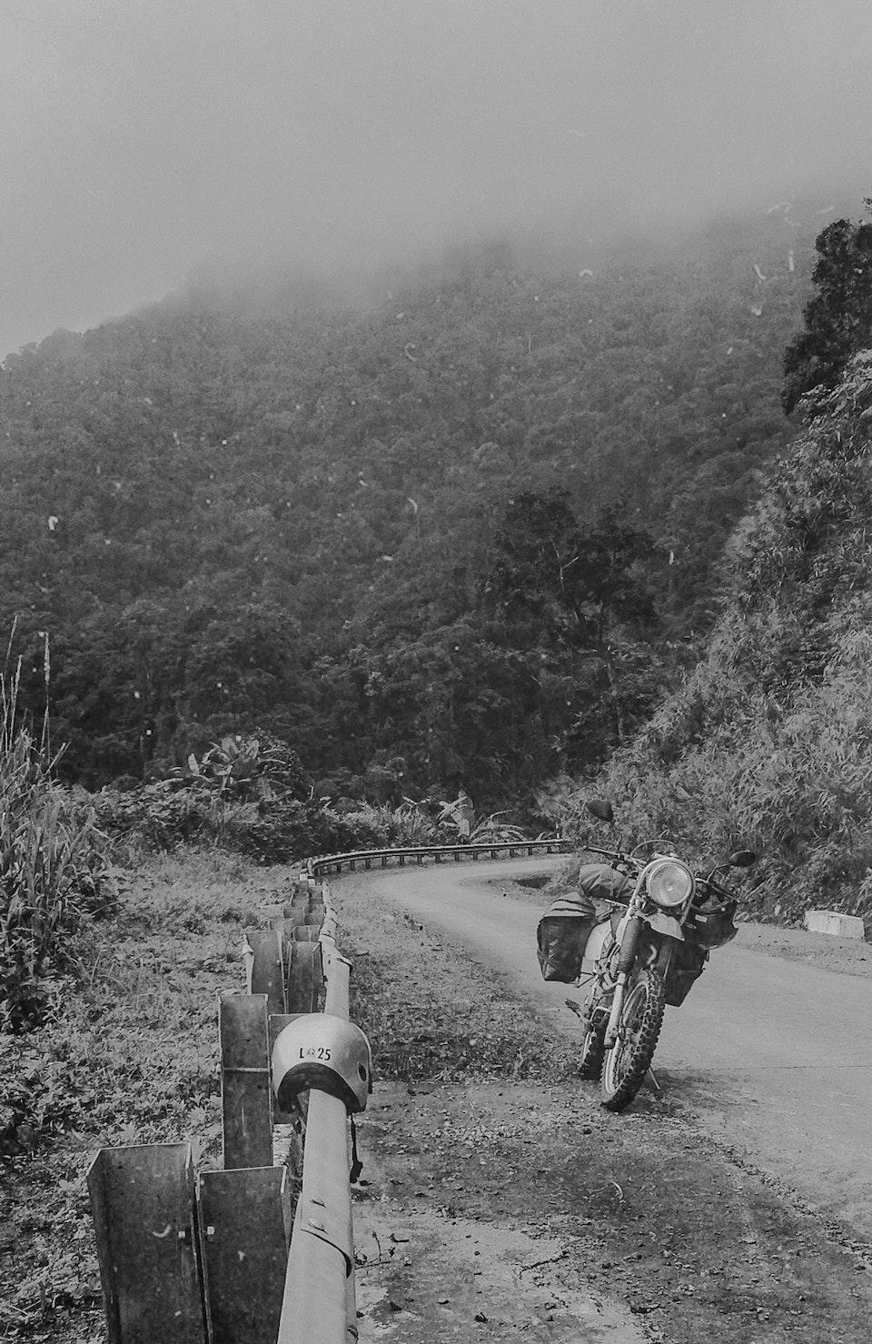 Vietnam by Dirtbike (2013) bikeroad_born_notype