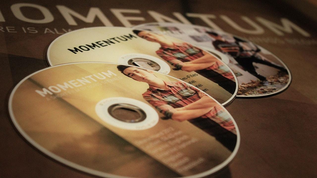 Momentum - Print Campaign