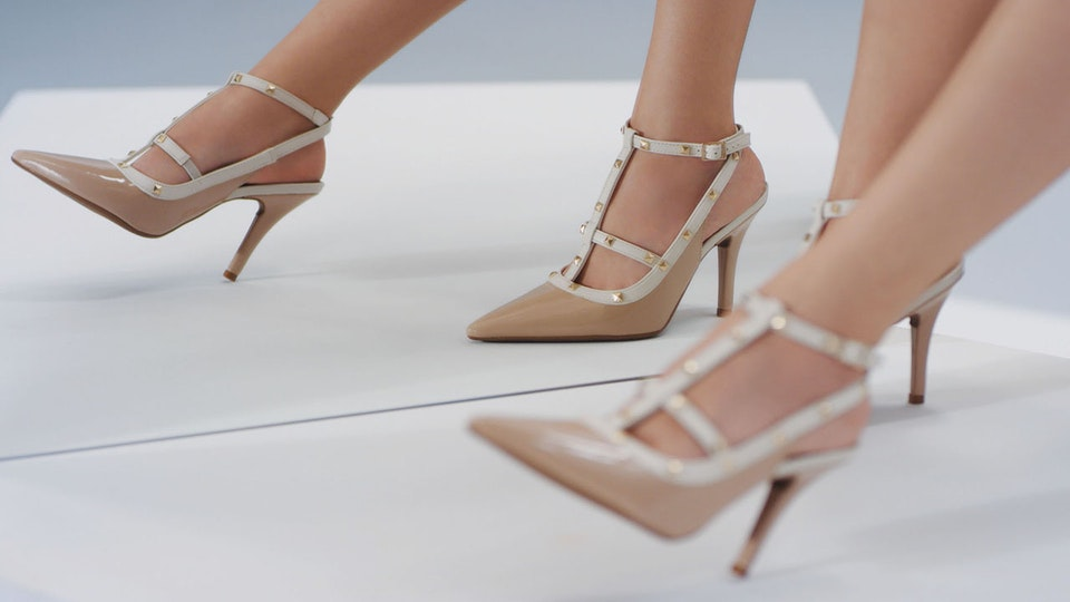 MORE SHOES IN YOUR HANDS for Falabella
