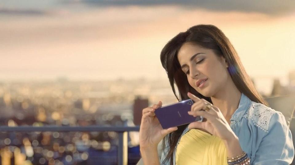 Sony / Every Little Thing Matters - Director Kobayashi - Sony Xperia Z1 - Katrina Kaif - Still 11