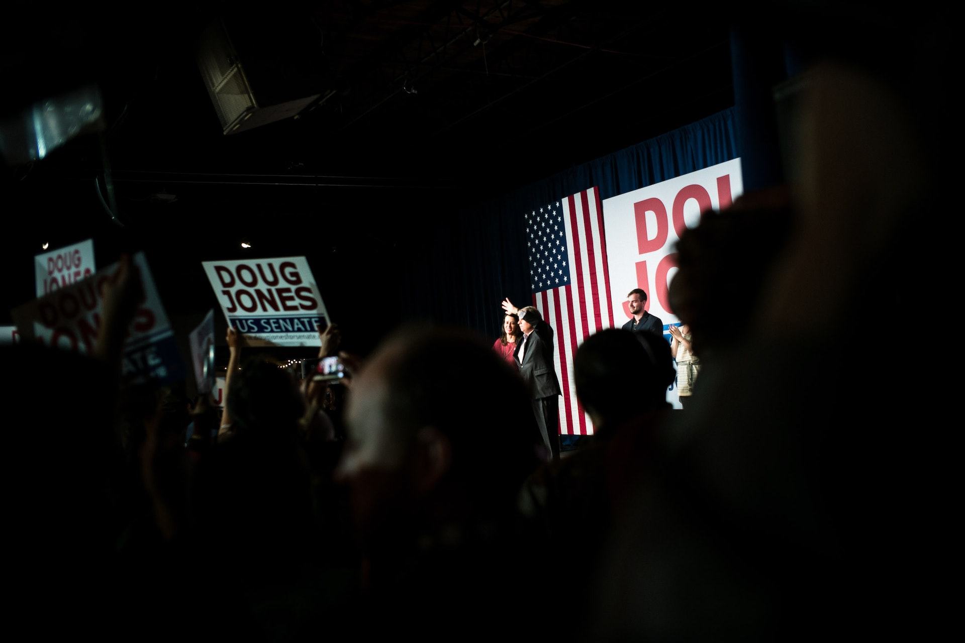 171211_ALABAMA-DOUGJONES-RALLY_BobMiller_0673
