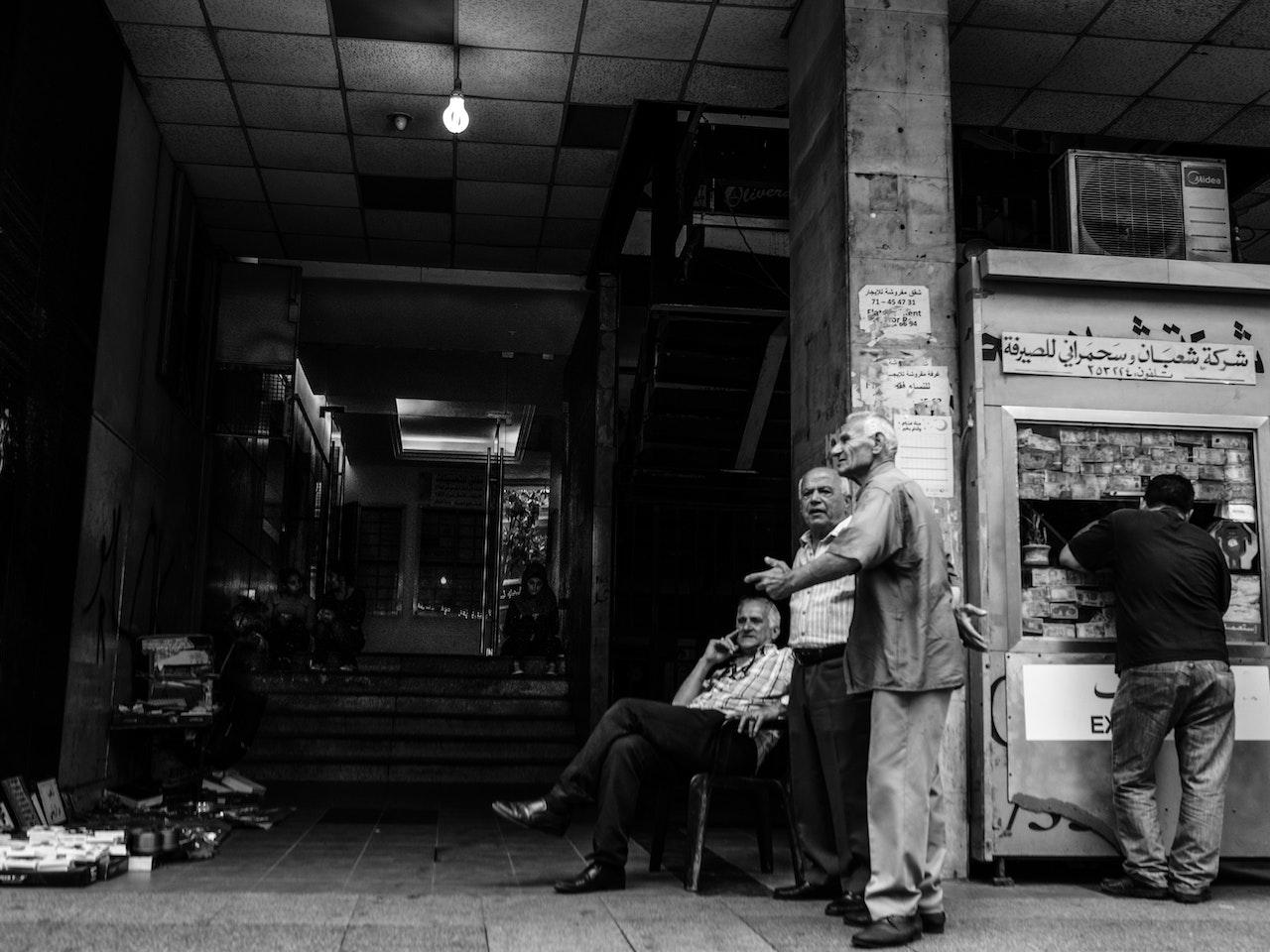OldMen-StreetVendors