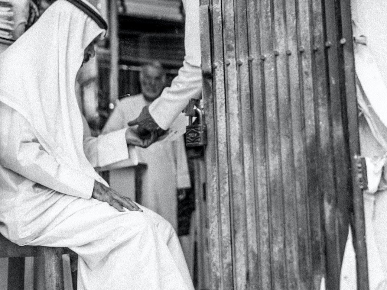 Sheikh-Buying-Shit-small