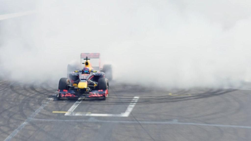 REDBULL - MAX VERSTAPPEN // ONLINE