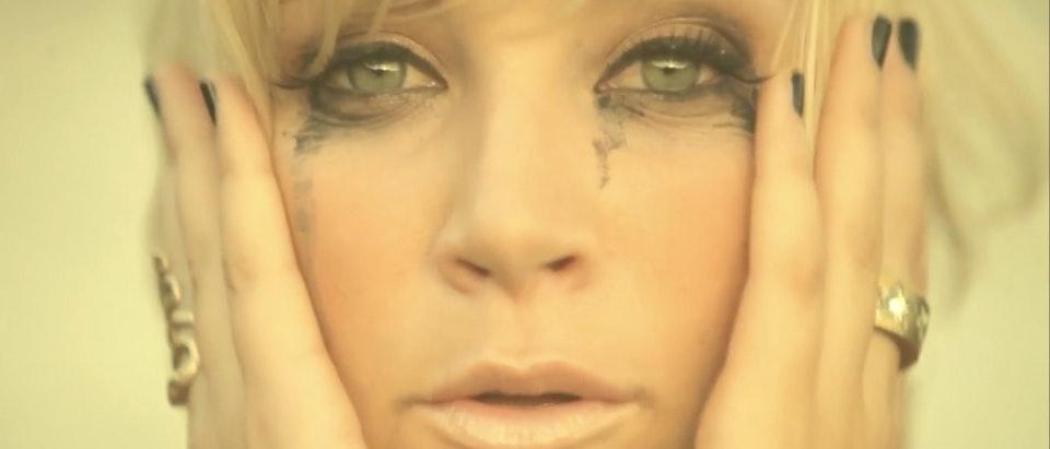 Lisa Crawley 'Leaving' · MUSIC VIDEO