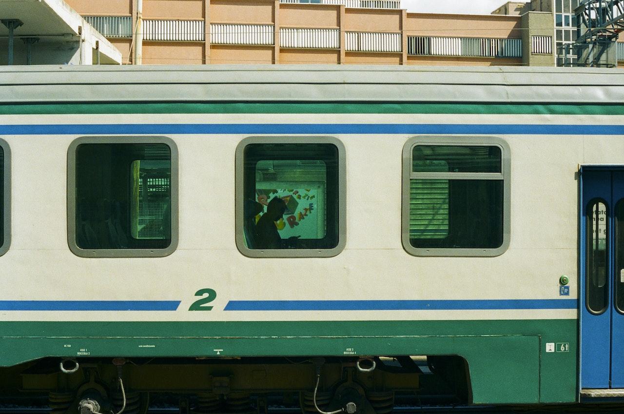 Florence-02_FINAL_ForPrint_NoCP