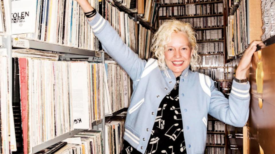 Darling - Hey Wonderful signs Ellen Von Unwerth!