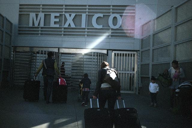 mexico-border-suitcase-!