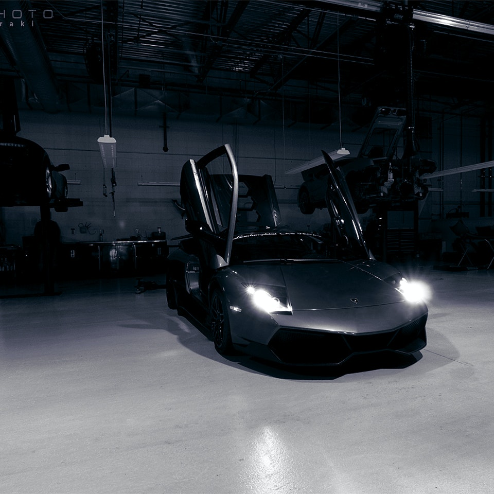 SHIRAKIPHOTO & DESIGN LLC - Awakening the Beast (LP670 SuperVeloce)