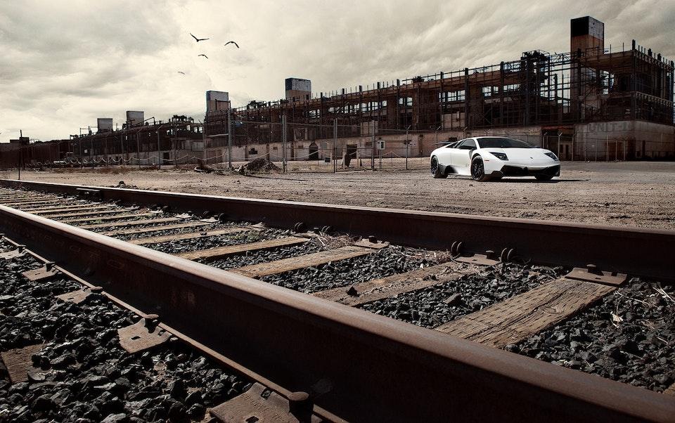 SHIRAKIPHOTO & DESIGN LLC - Lamborghini Murciélago LP 670-4 SuperVeloce (Bianco Canopus)
